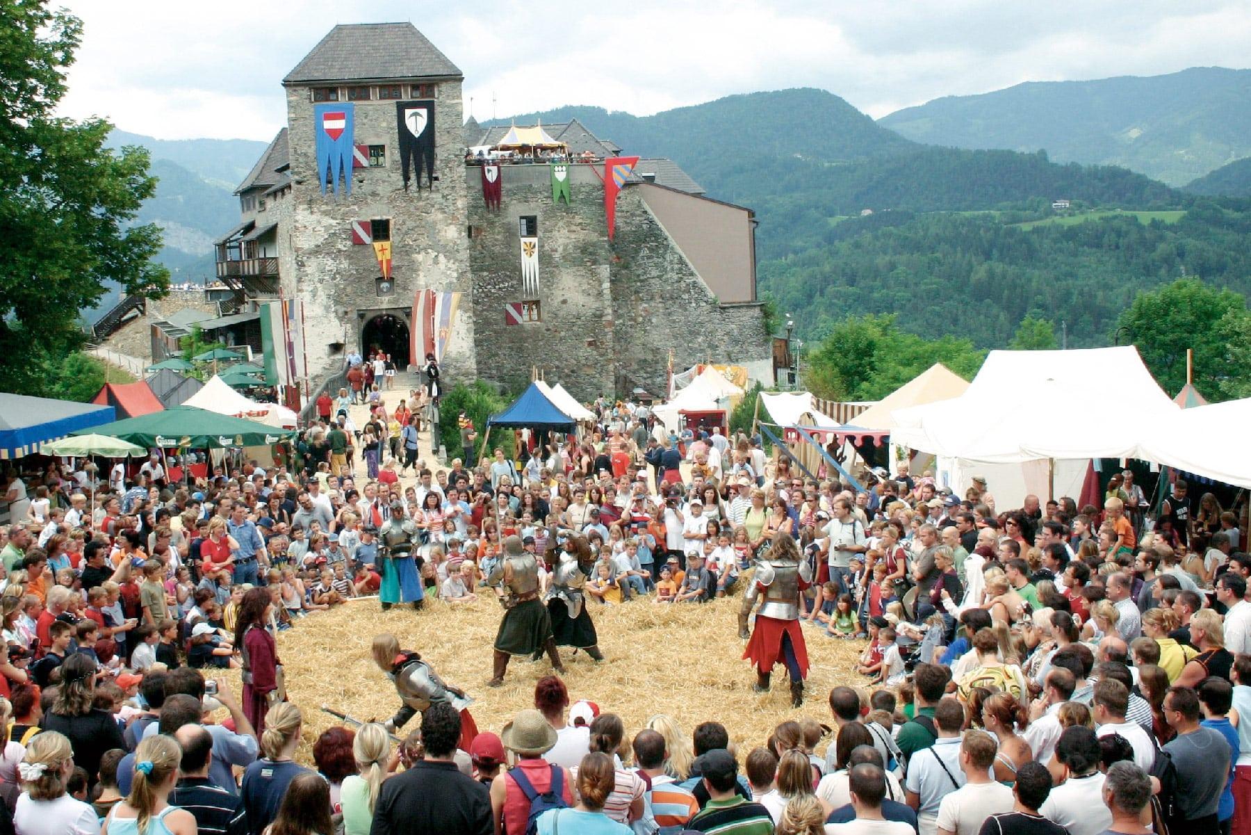 Ritterfest auf der Burg Oberkapfenberg